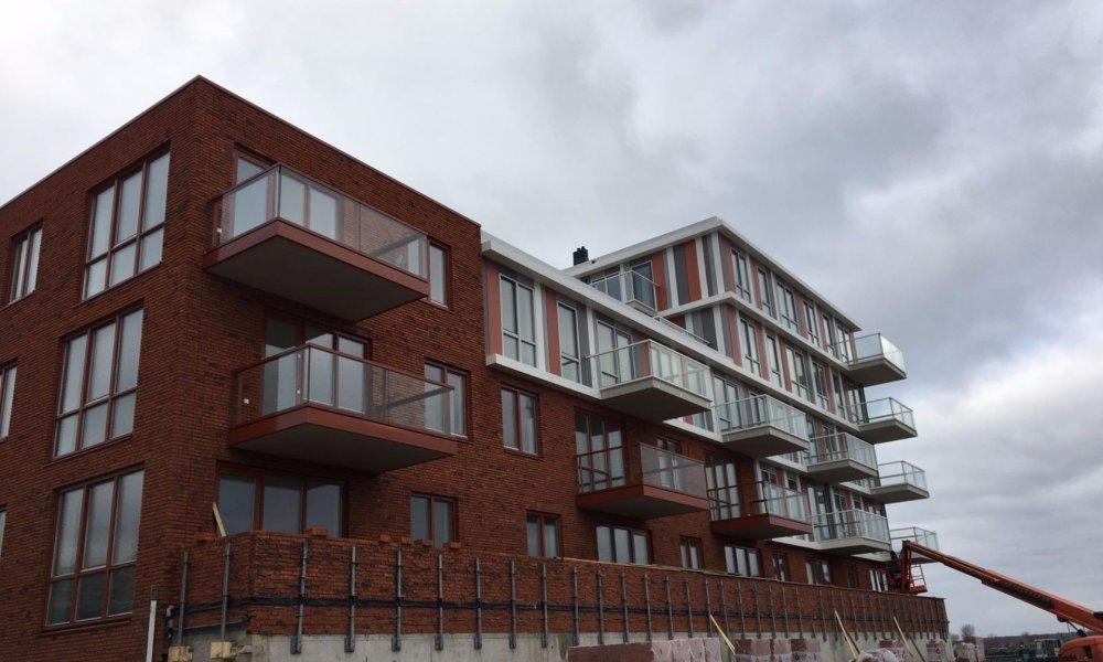 Balkon rand afwerking in aluminium